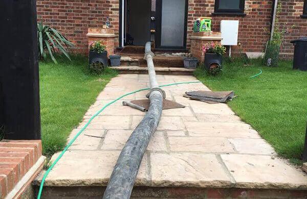 Hire Low Cost Concrete Pump Service by Easy Pump